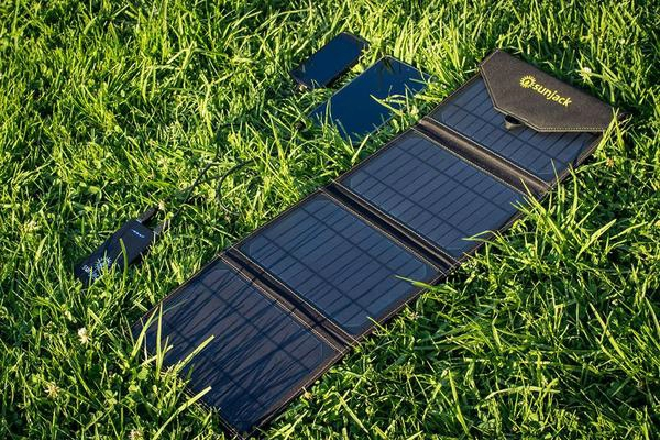 Best Solar Samsung and iPhone Chargers